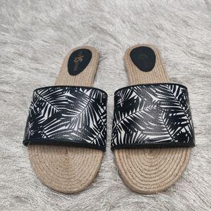 Yosi Samra sz 7 sandals NWOB